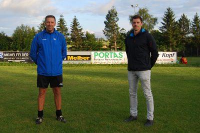 Interview mit Trainer... Foto